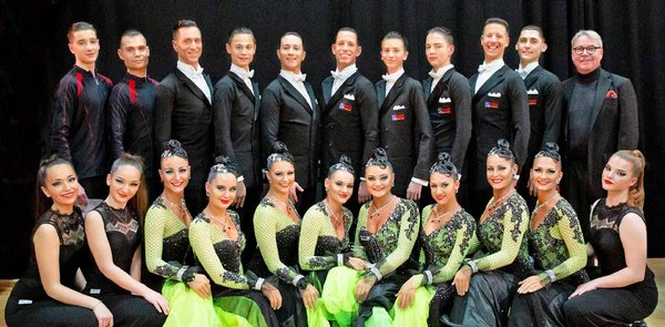 Group of the Braunschweiger formation dancers 2019